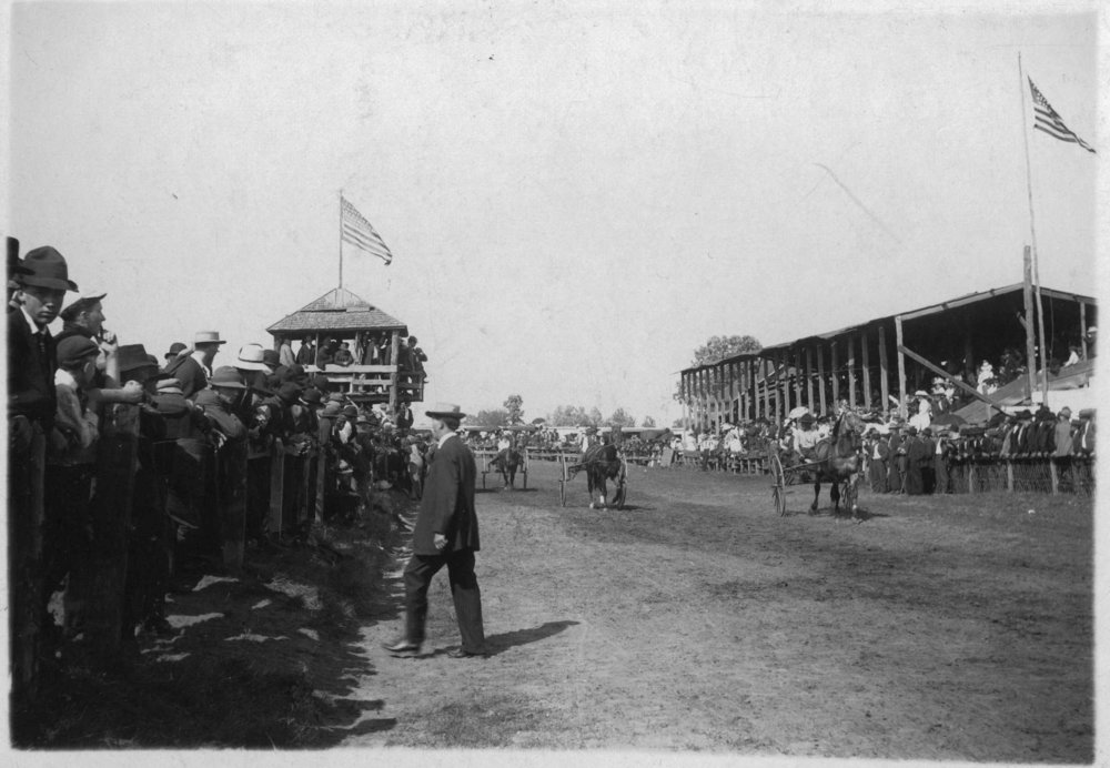 Races-at-Fair-1911.jpg