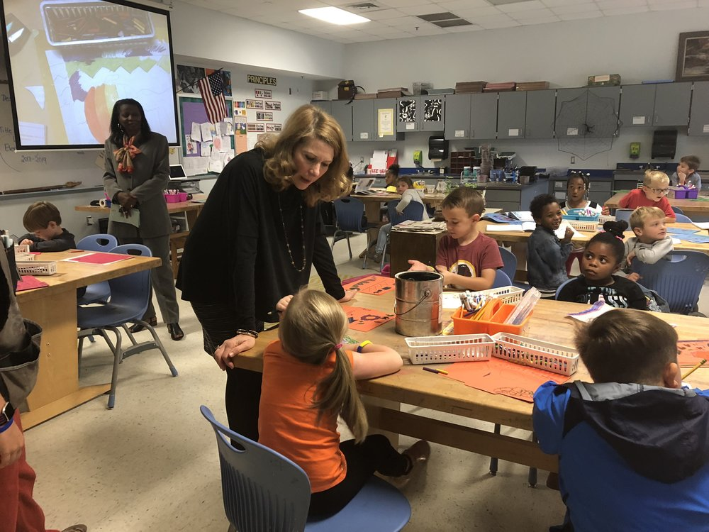 First Lady Kristin Cooper discusses art with La Grange Elementary kindergarteners. Photo by Catherine Hardee / Neuse News