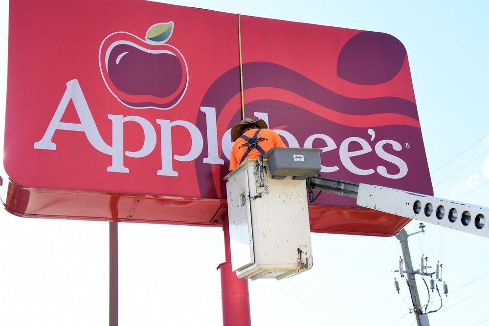 Applebee's.jpg