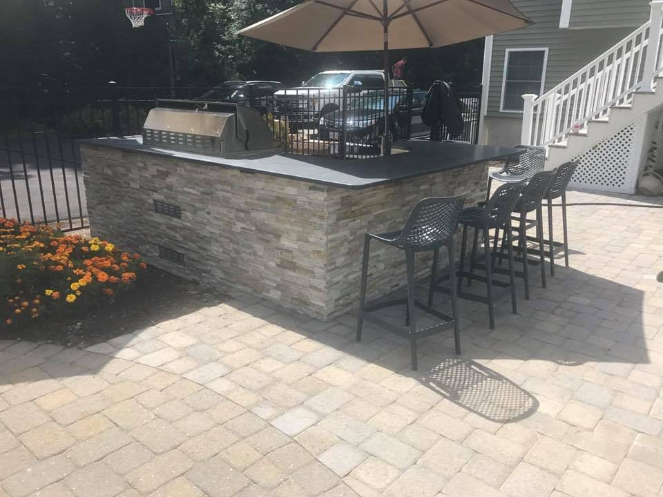 land-solutions-stone-paver-patios-fire-pits-billerica-10.jpg