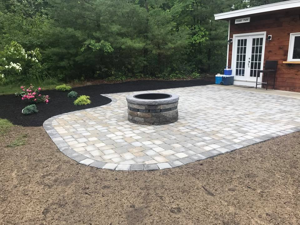 land-solutions-stone-paver-patios-fire-pits-billerica-11.jpg