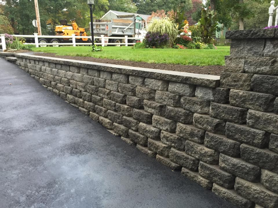 land-solutions-stone-retaining-walls-billerica-8.jpg