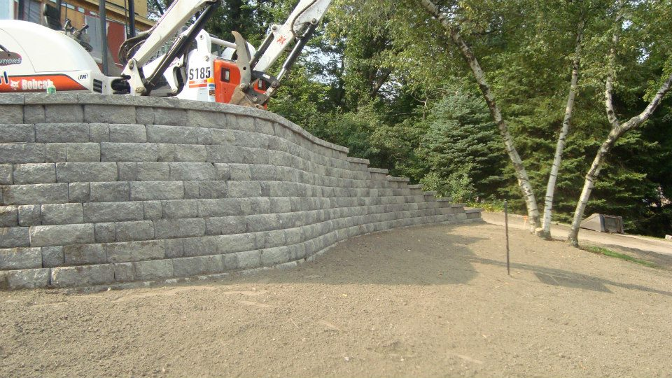 land-solutions-stone-retaining-walls-billerica-13.jpg
