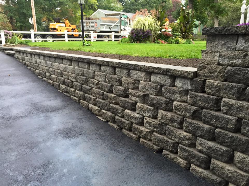 land-solutions-stone-retaining-walls-billerica-11.jpg