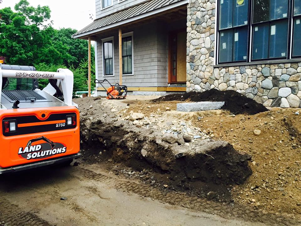 land-solutions-billerica-excavation-services-2.jpg