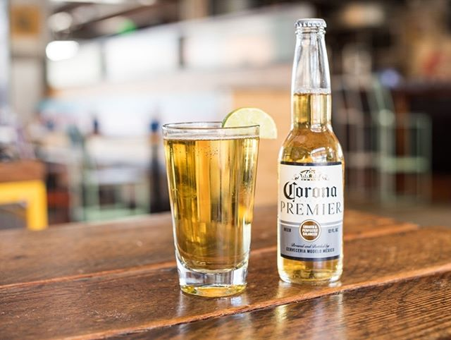 Sunday's are fundays with $4 Corona Light and Corona Primers! • • • • • #minnesotaslb #longbeach #drinks #beers #lunch #dinner #beach #sun #dinner #eeeeeats #livemusic #DJ #dancing #onthewater