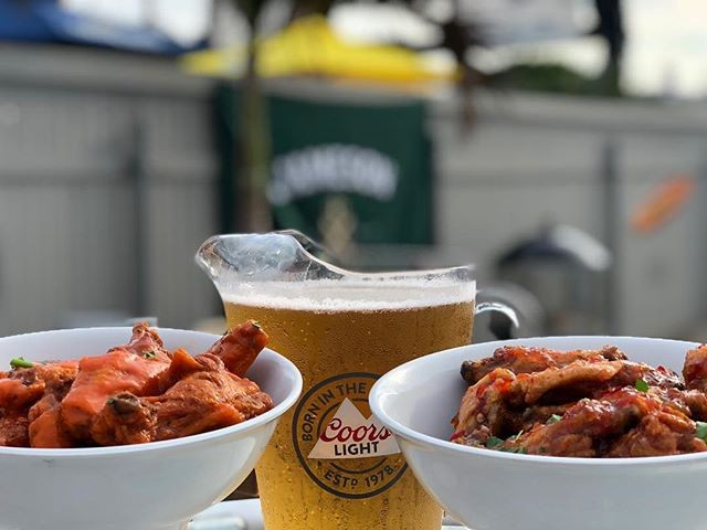 Strolling down the boardwalk?  Stop in to Minn's for the original wing night! From 6-10 PM get yourself endless wing buckets and $20 Coors Light Pitchers! • • • • • #minnesotaslb #longbeach #drinks #beers #lunch #dinner #beach #sun #dinner #eeeeeats #livemusic #DJ #dancing #onthewater