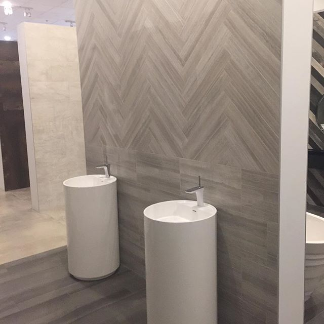 We completely remodeled the Eleganza Showroom in Dallas.  We built the display walls to better serve their customer's needs. We can do the same for you!  All the items in this photo can be ordered and installed by Tile Land!  @eleganzatiles #tile #bathroomremodel #richardsontx #dallas #planotx #friscotx #allentx