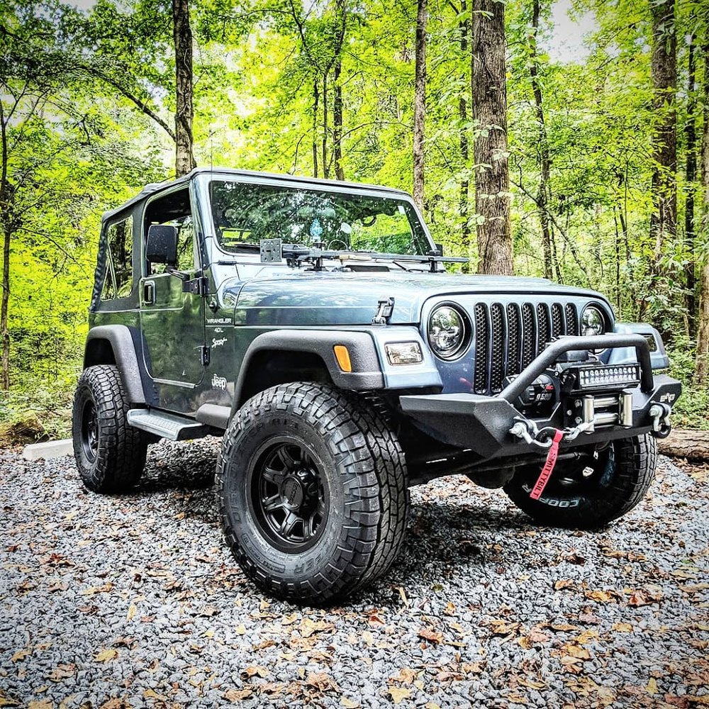How to remove doors from a Jeep Wrangler TJ. - Easy step-by-step instructions for removing your Jeep Wrangler TJ doors.
