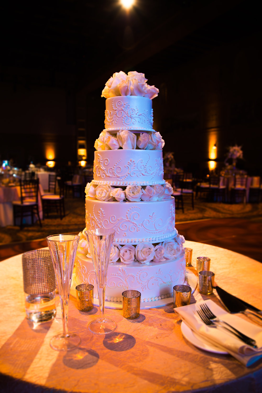 sharkfyn-portland-art-museum-wedding-cake.jpg