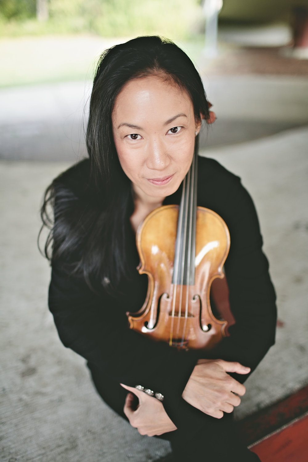 Yvonne Hsueh,principal second violin - Yvonne Hsueh, a native of Los Angeles, resides in Eugene, Oregon. She has been Principal Second Violin of the Oregon Mozart Players in Eugene since 1992, and is a member of the Eugene Symphony and the Sunriver Music Festival in Central Oregon. She is an active symphonic violinist, recitalist, chamber musician and soloist, having appeared as soloist with orchestras around the United States and abroad. She also maintains an active studio, and is currently on the faculty of Lane Community College. She performs on a violin made by Gregg Alf. She also performs on baroque violin made by David Gussett.