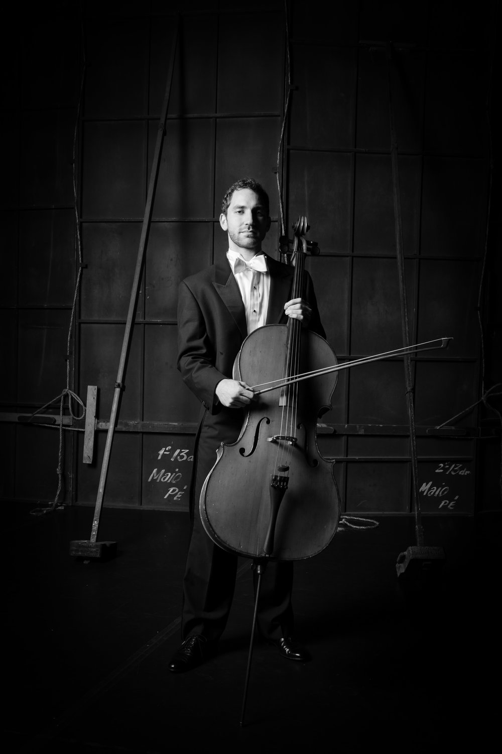 Eric Alterman, cello - Eric Alterman, born and raised in New York City, began music studies at a young age at the Mannes College of Music. As cellist of the Delgani String Quartet, Assistant Principal Cellist of the Eugene Symphony, and member of the Oregon Mozart Players, he leads an active career performing throughout the state of Oregon. Prior to residing in Oregon, Alterman performed for 5 seasons as Assistant Principal Cellist of the Orquestra Sinfônica Brasileira, based in Rio de Janeiro. Alterman completed studies at Boston University and Brandeis University, where his teachers included Rhonda Rider, Marc Johnson, and Joshua Gordon.2018-2019 Season Sponsor: Carol Crumlish