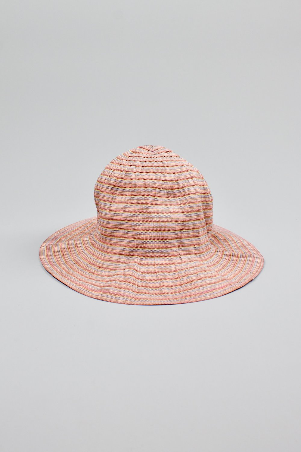 Cotton striped hat   Protects from the sun and is easy to fold. Could that cotton stroke be turned into a … plate?