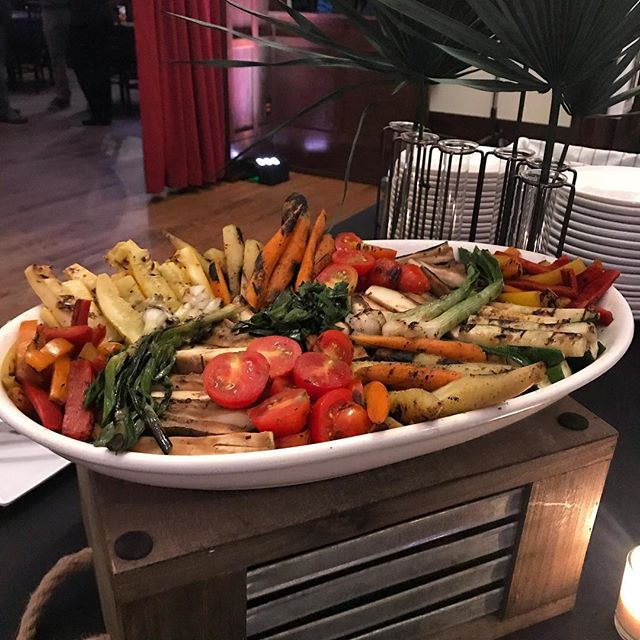 Forget boring crudités, we're all about this wood fire grilled vegetable platter #yumyumyum #carnegielibraryevents