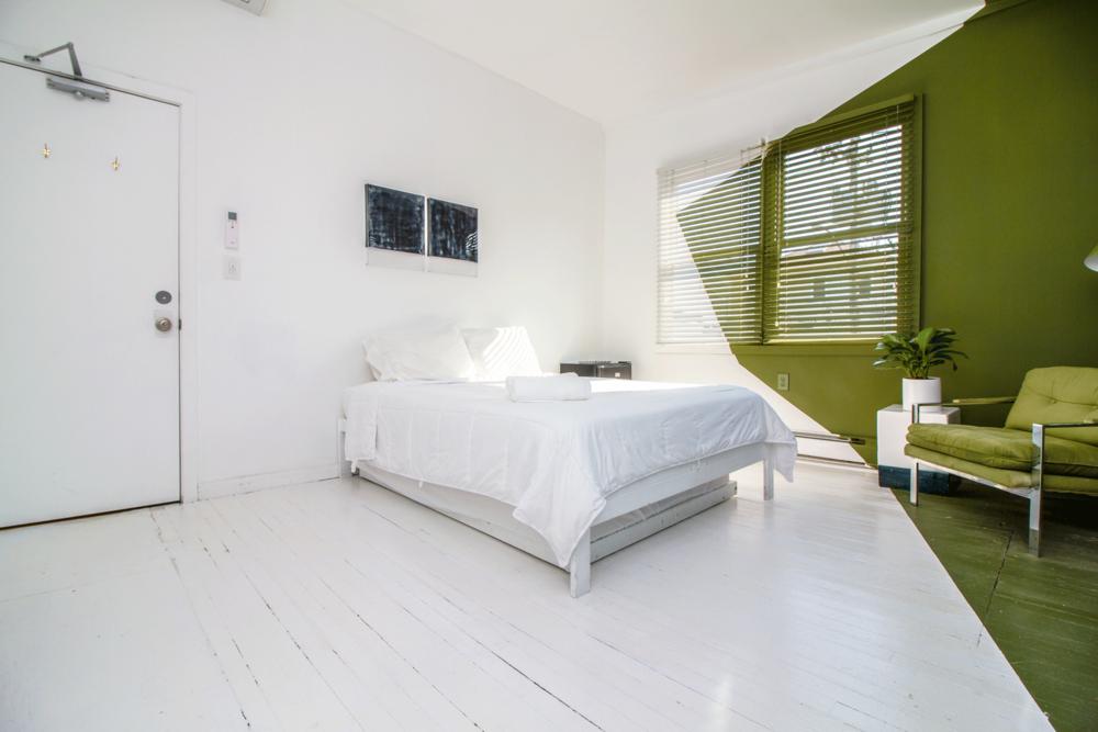 - 3 Bedroom Suite