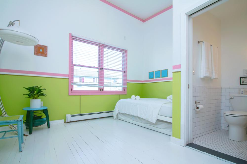 - 2 Bedroom Suite