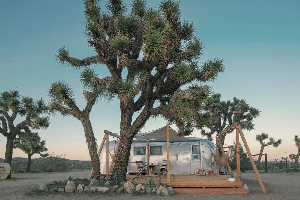 1964 sound of silence  - Our 1964 vintage Airstream will transport you back to another era when the Beatles were stars and cell phones were sci-fi dreams. Open skies, mountain views and moon gazing awaits you on this peaceful 10 acres of desert land. Casper Full - Sleeps 2BOOK HERE
