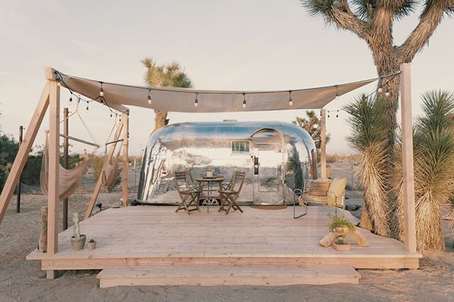 excited to officially share our newly restored 1959 'kind of blue' airstream!  recently featured in @dwellmagazine it houses brass issac sconces by @schoolhouse, local ceramics@bkbceramics, king mattress@Casper & penguin II cooling system @dometic —-—————————————— booking in bio!🌵🌙 📷 @pixellabrats