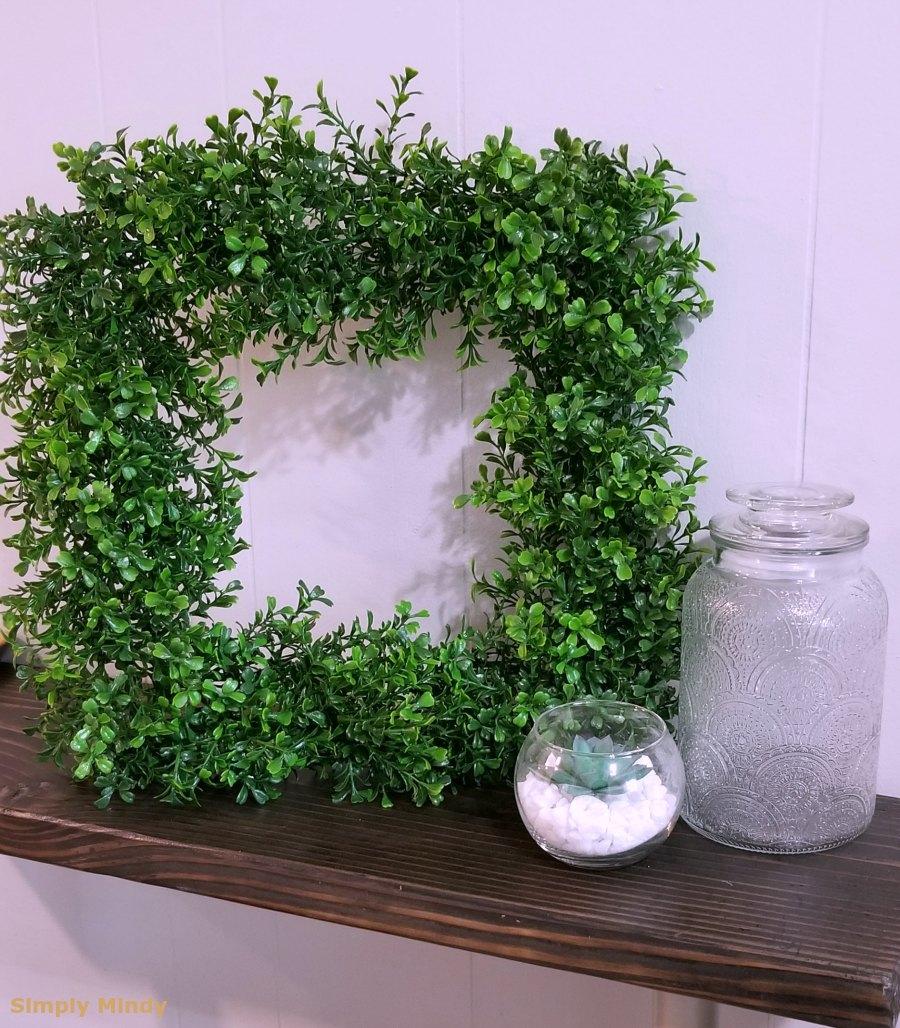 boxwood-wreath-diy_1.jpg