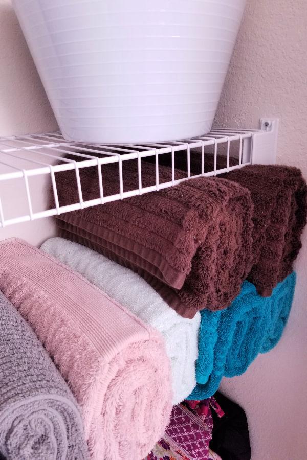 mariekondo-towel-folding.jpg