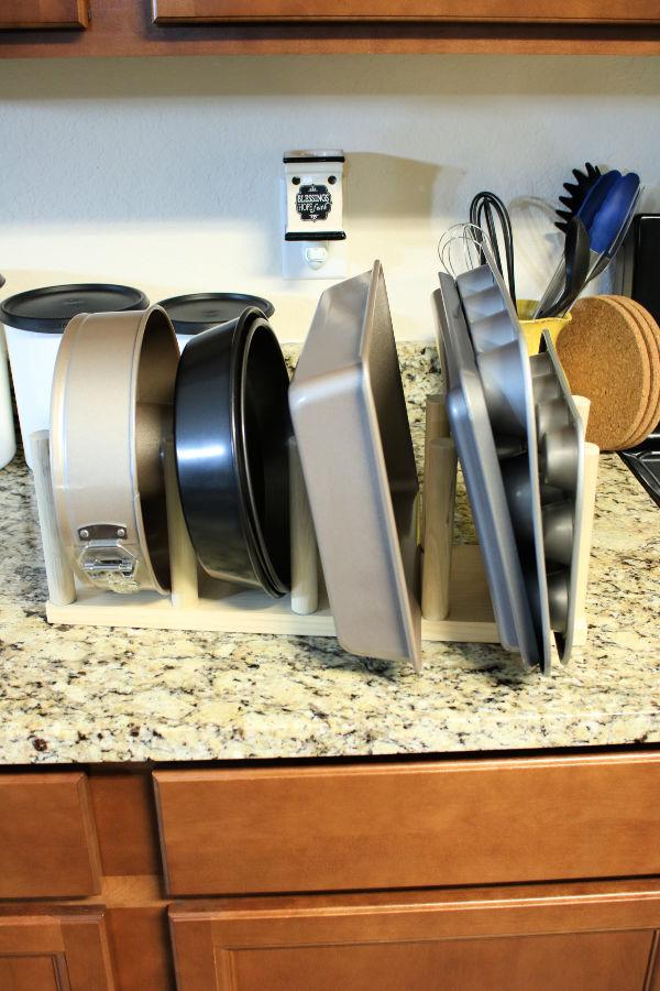 baking-pan-organization.jpg