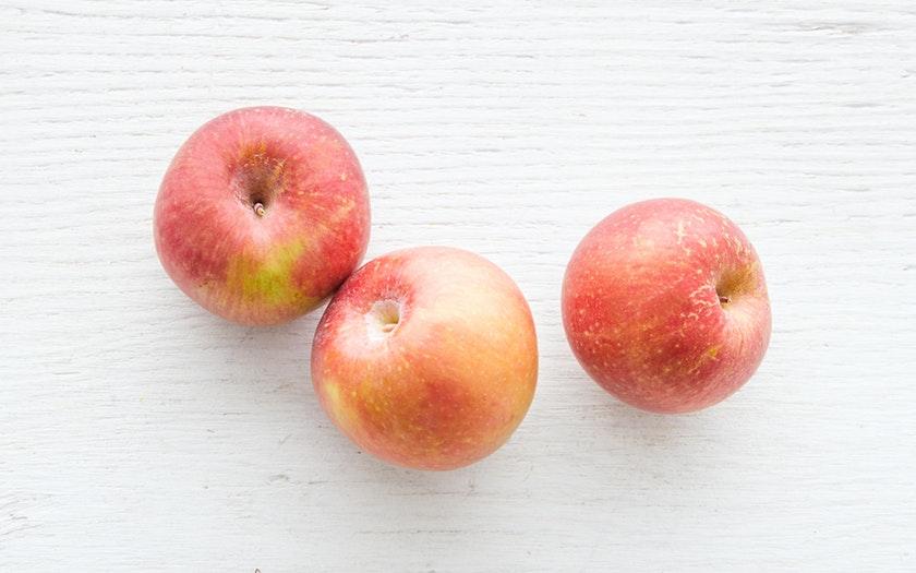 Live Earth Farm  Organic Sommerfeld Fuji Apples  $2.99