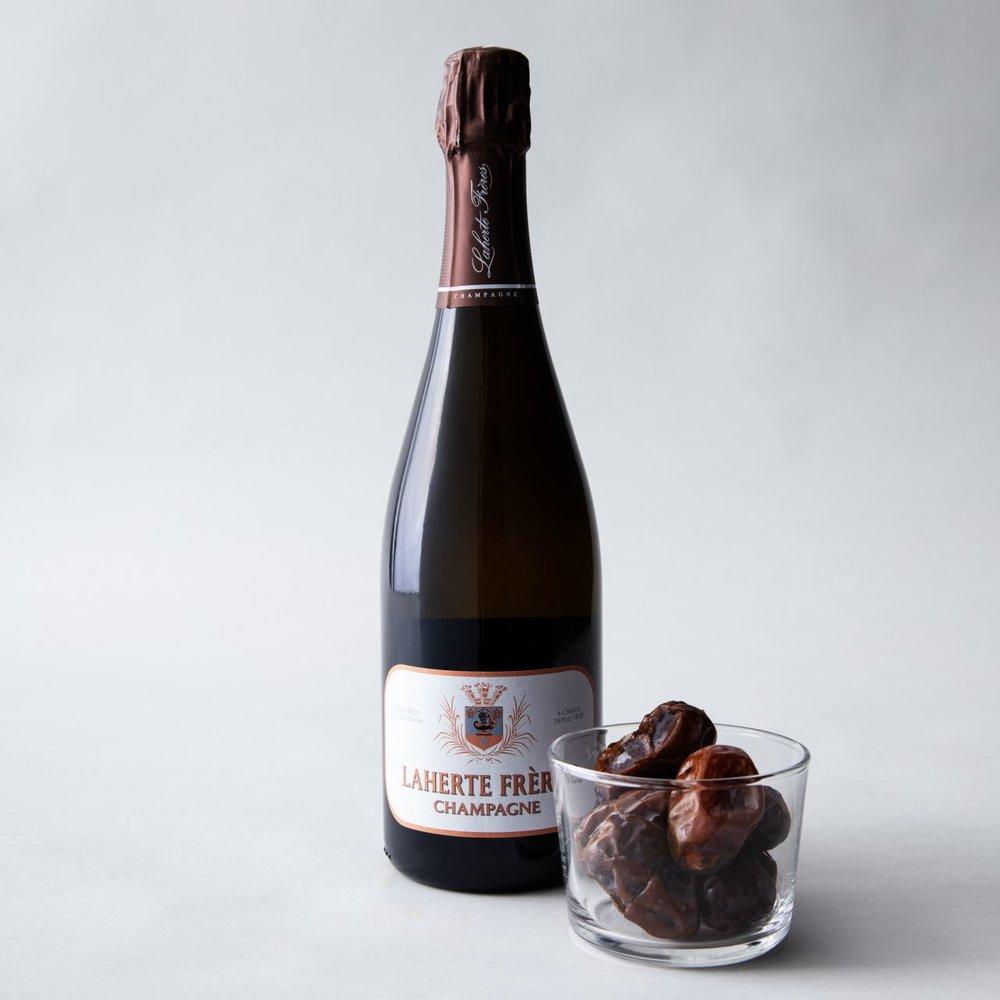 california-grown-date-and-wine-pairings-medjool-champagne.jpg