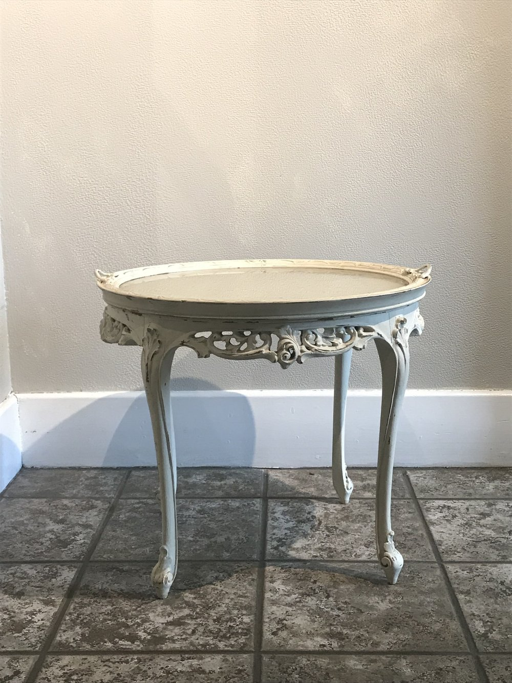 <p><strong>White Side Table with Removable Glass Top</strong>$15</p>