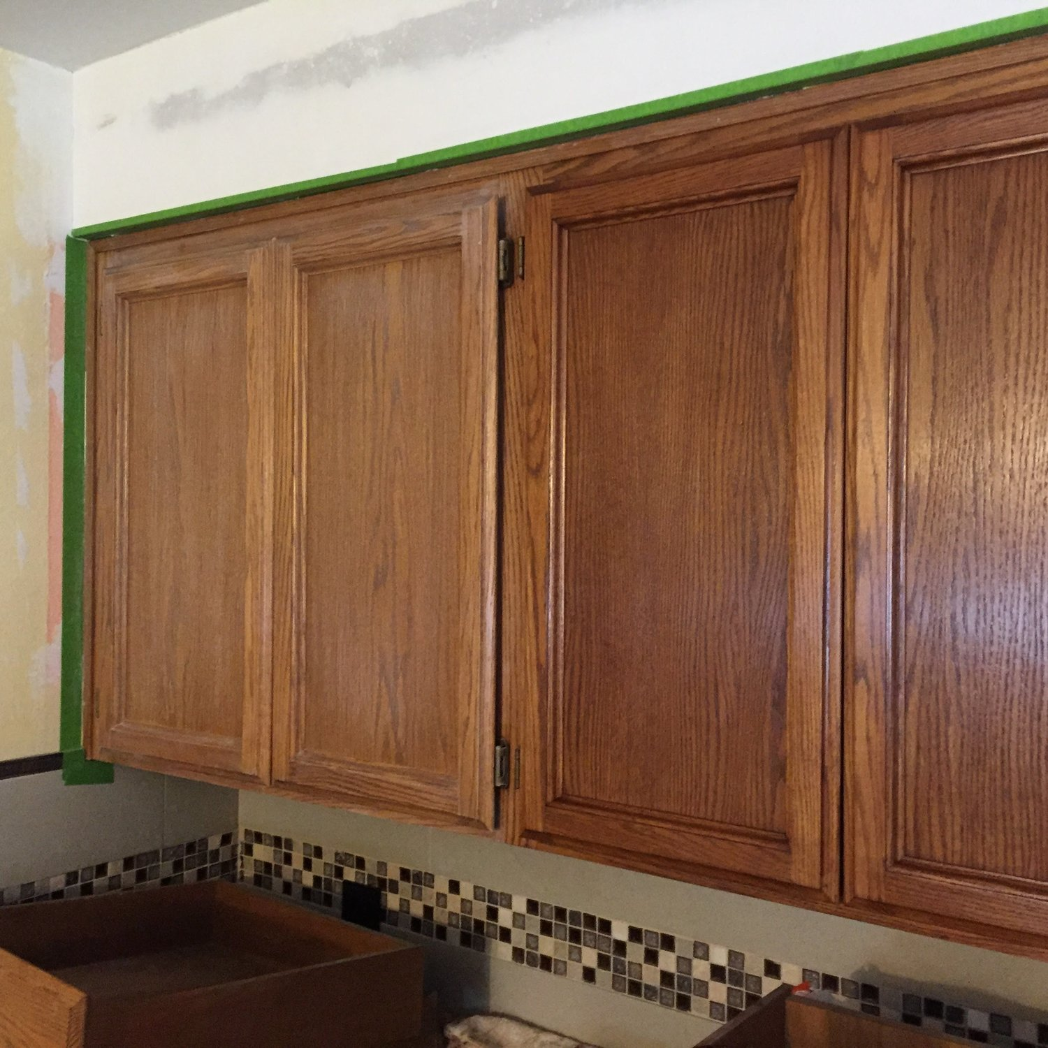 Pleasing Signs Your Old Cabinets Can Be Refinished The Wood Doctor Interior Design Ideas Gresisoteloinfo