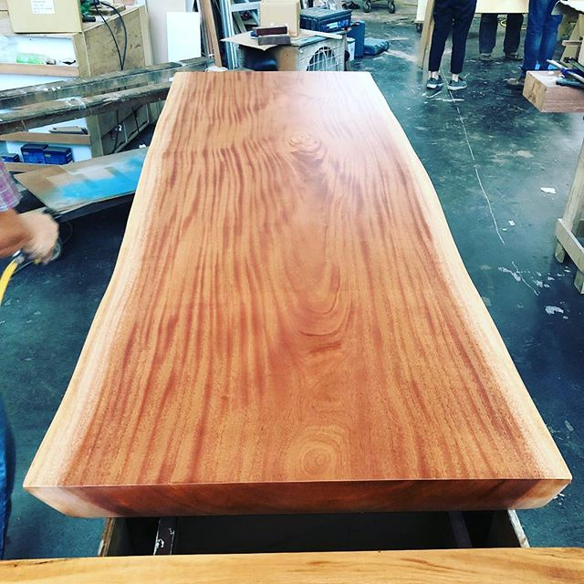 Reclaimed mahogany wood made into a table specially for @elvinfoong #woodfix