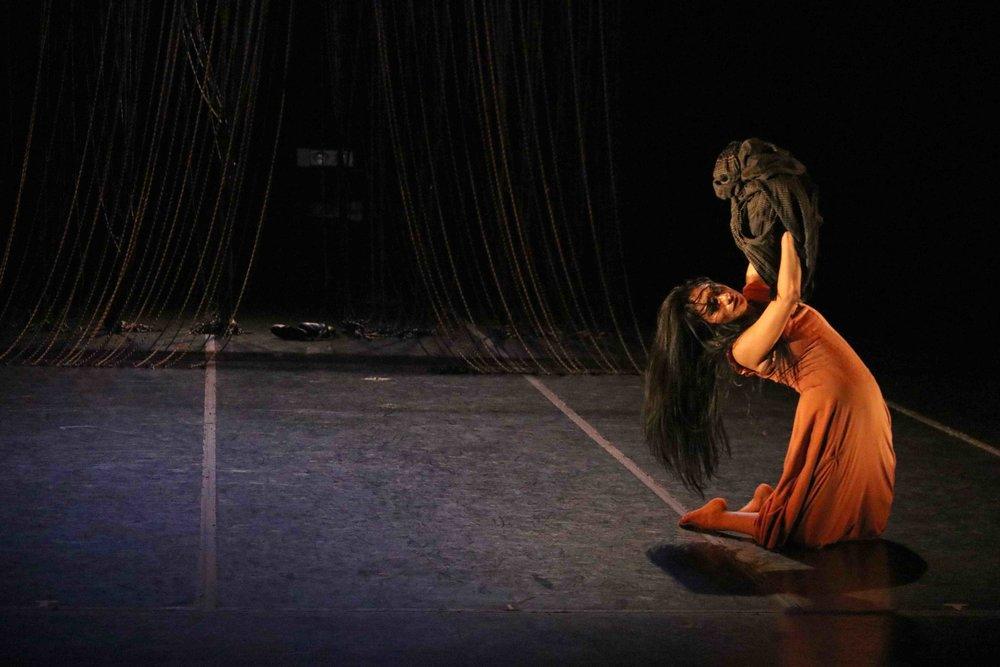 PaulaVillaurrutia.Danza_FloresBlancas_P.Villaurrutia_2-07-18_TeatrodelaDanza_EnriqueRivera_Archivo.4.jpg