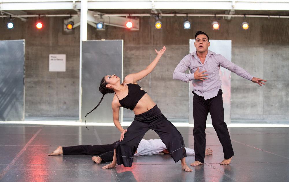 Bruja Danza, De los seres con inercia al vacio, Abel Servín, Elisa R, Plaza de la Danza CENART, mayo 2018 CDMX, Foto, Emmanuel Adamez, Archivo Bruja Danza.jpg