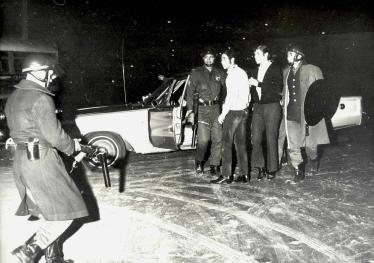 AFHGV001927 Estudiantes detenidos en el Casco de Santo Tomás.jpg