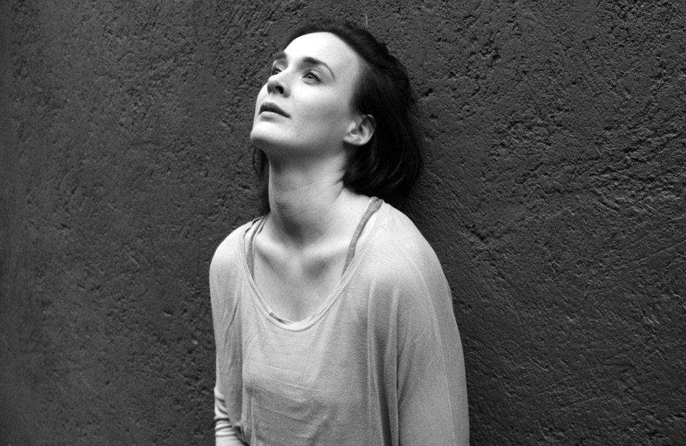 Sarah Matry-Guerre *  Asistente de Dirección