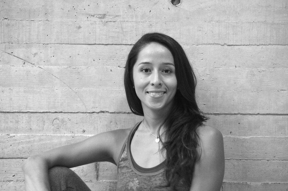 Ana Laura Barragan *  Bailarina