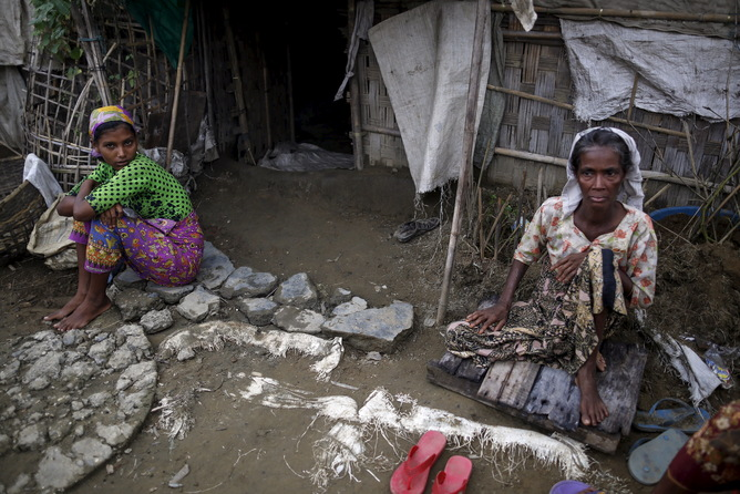 Rohingya women at a refugee camp near Sittwe. Reuters/Soe Zeya Tun