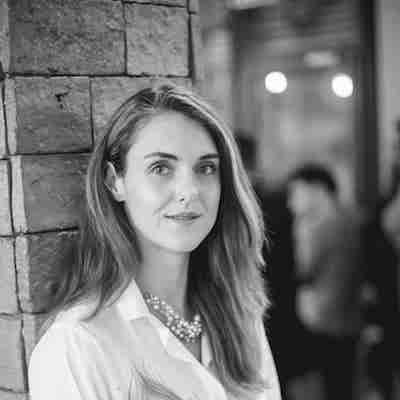 Ana Maria Udriște - Fondator U-Legal, AvocatooCo-fondator Jurio, LegalUpAna este avocat și antreprenor, fiind inclusă în topul Forbes