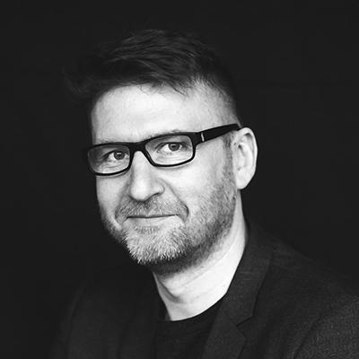 Mihai Coliban - Creativity & Innovation ExpertDirector de creație în unele dintre cele mai bune agenții de publicitate din România, Rusia și Europa de Est, a făcut inovație în marketing și comunicare timp de 20 de ani, schimbând în bine poveștile unui număr impresionant de branduri globale sau locale. Din 2016, Mihai își reinventează cariera la Londra, cu un master în Innovation Management la cea mai artistică universitate din Regatul Unit.