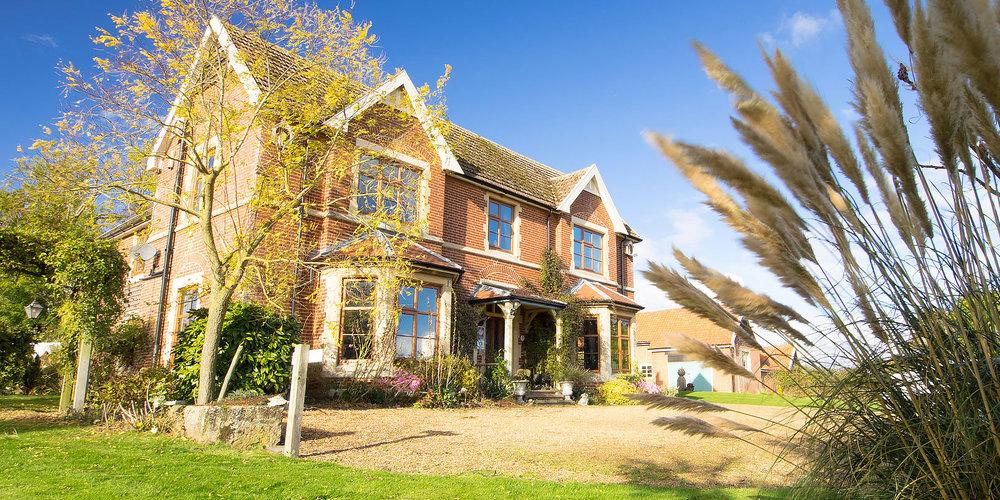 Earsham Park Farm - Sleeps 2–4