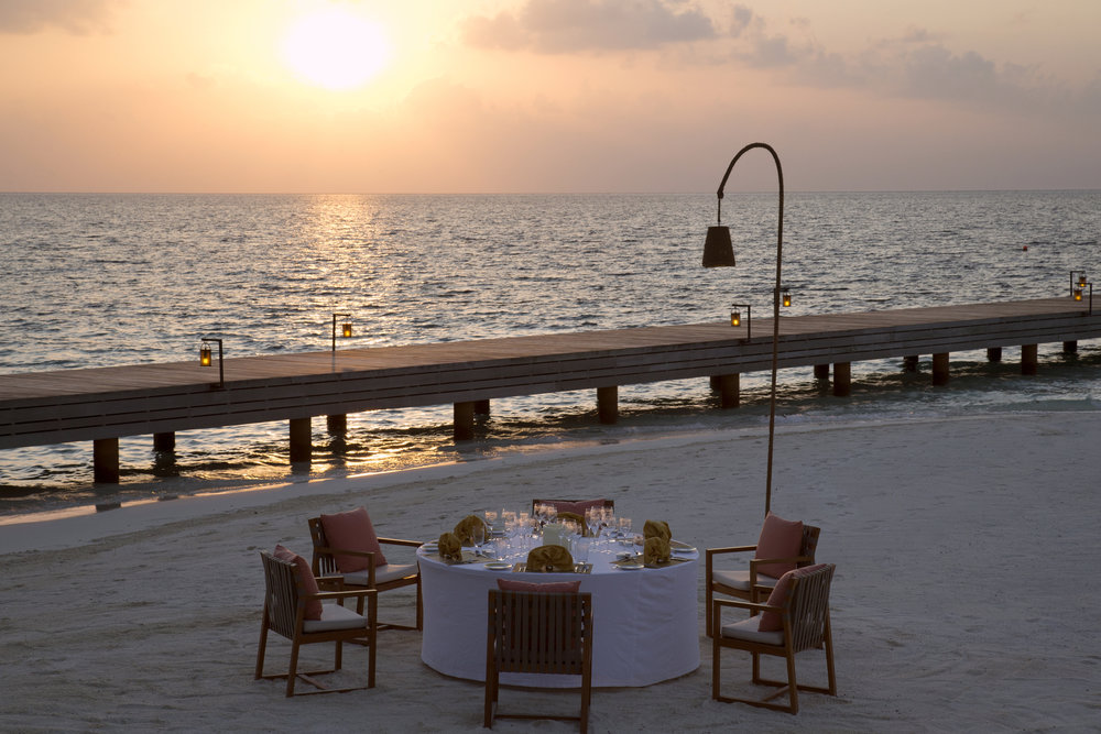 Coco Privé_Outdoor Dining_03.jpg