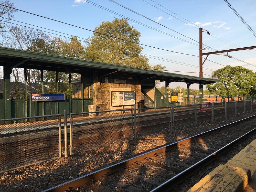 SEPTA_Wyndmoor_Platform.jpg