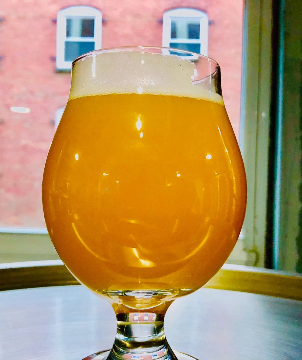 Crosshatch - Double IPA l 7.5%Aromas of citrus rind and orange. Soft mouthfeel and citrus flavor.