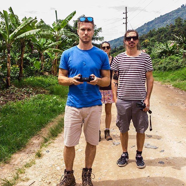 Team @somethingventured_sv getting the #djimavicair drone up on the road leading to the Rwenzori Mountains for @spekeugandaholidays 🌿🌿🌿🌿🌿 • @stew_game 🎥 • @nomadmark 🎥 • @lauren_mellor 💜 #somethingventured #ugandasafari #rwenzorimountains