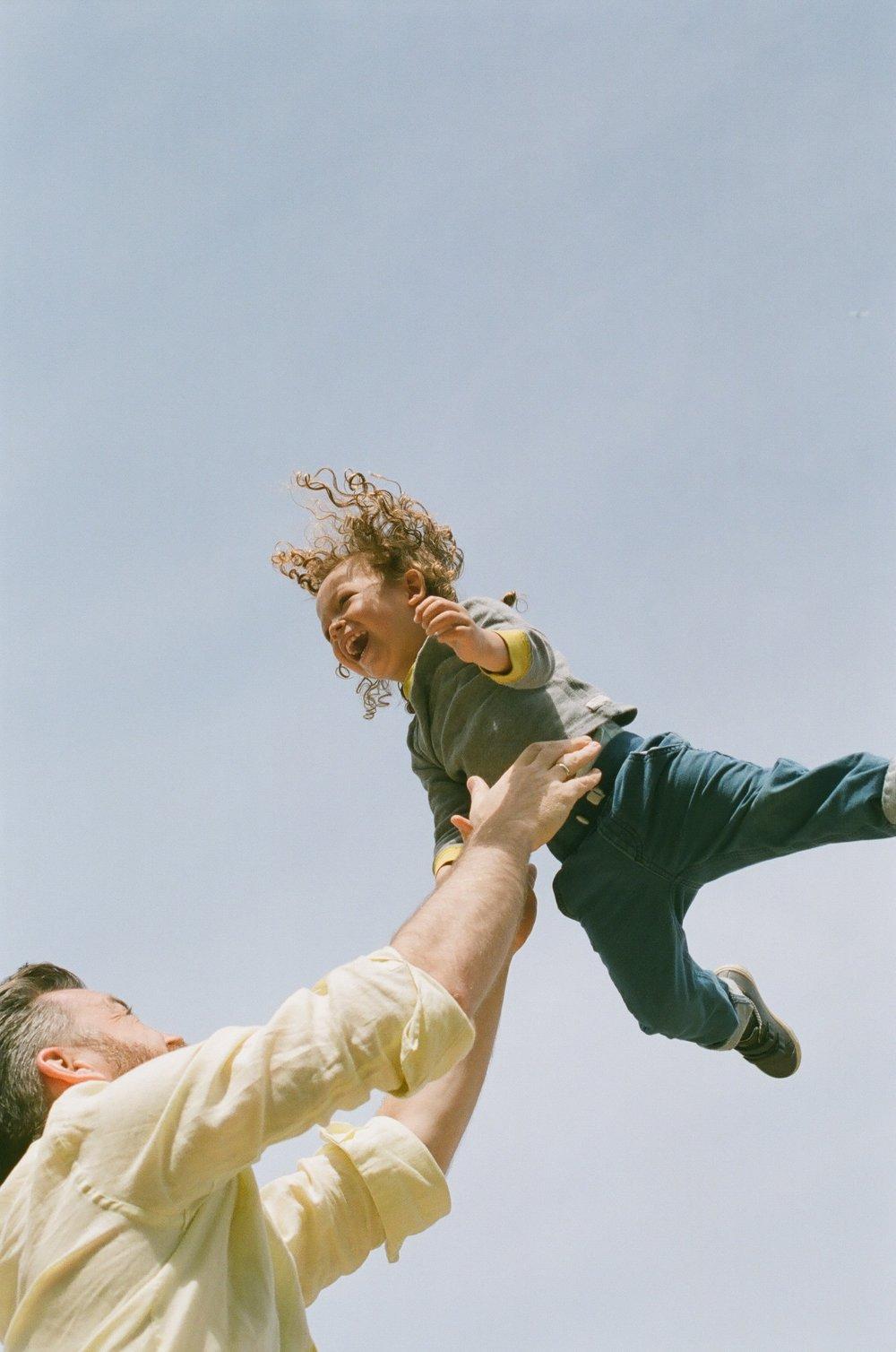 throwing-boy-family-film-brooklyn