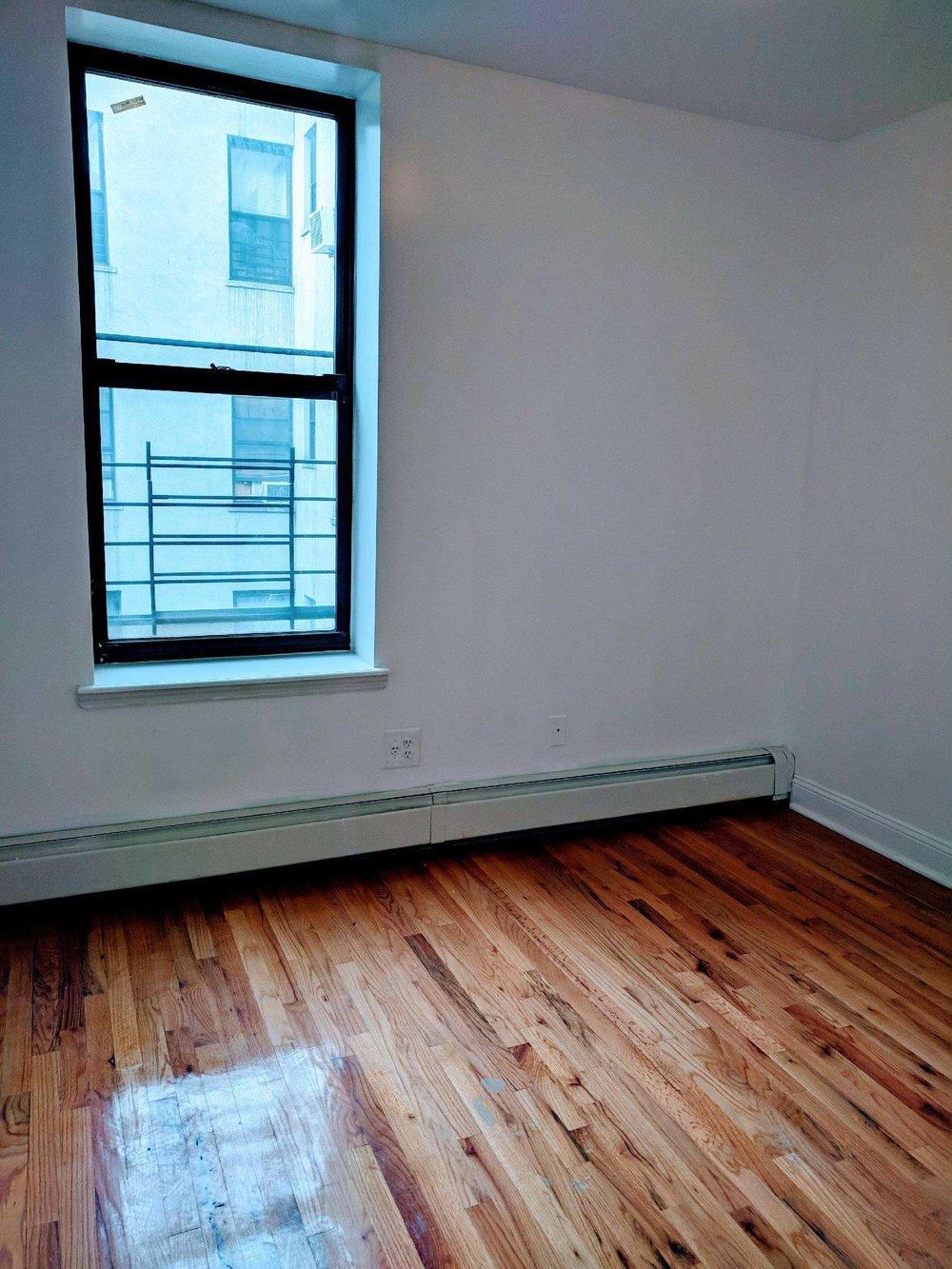 610 W 136 St bedroom