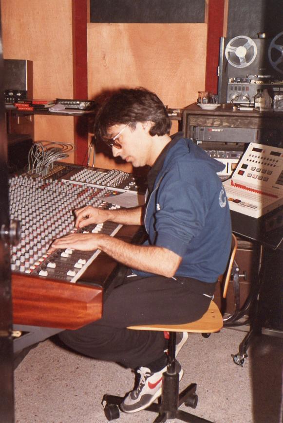 VENUX 1985.png