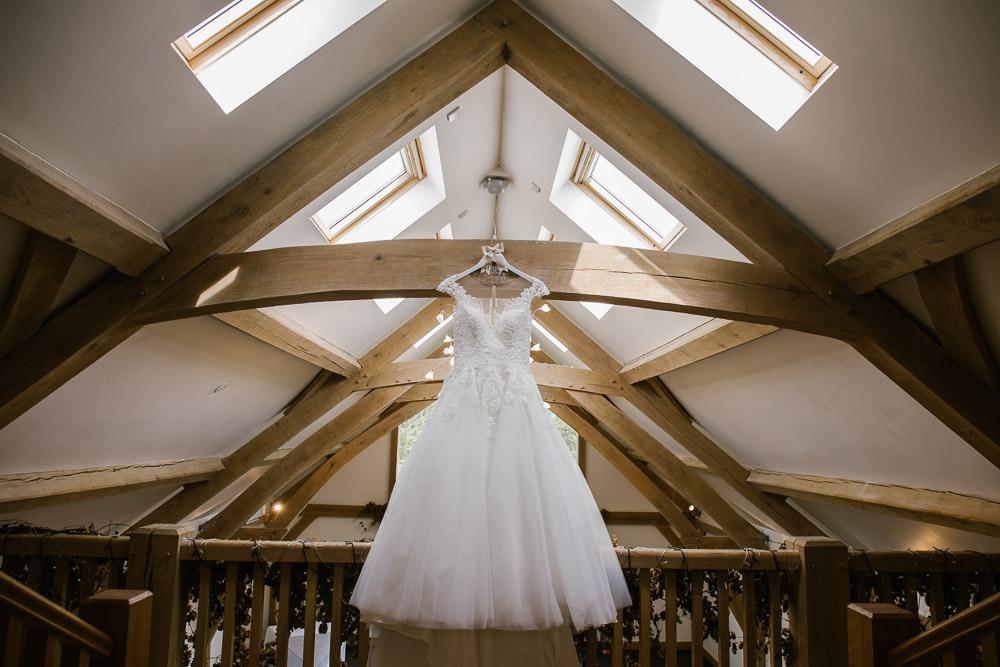 Mythe Barn, Mythe Barn wedding, Danielle Victoria Photography, Staffordshire wedding photographer-12.jpg