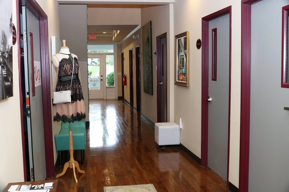 L'Amour Chic Suites of Fayetteville First Floor