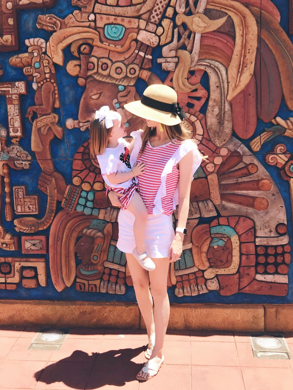 ff05241606f A Mom s Guide To What To Wear To Disney World — TexaFlora