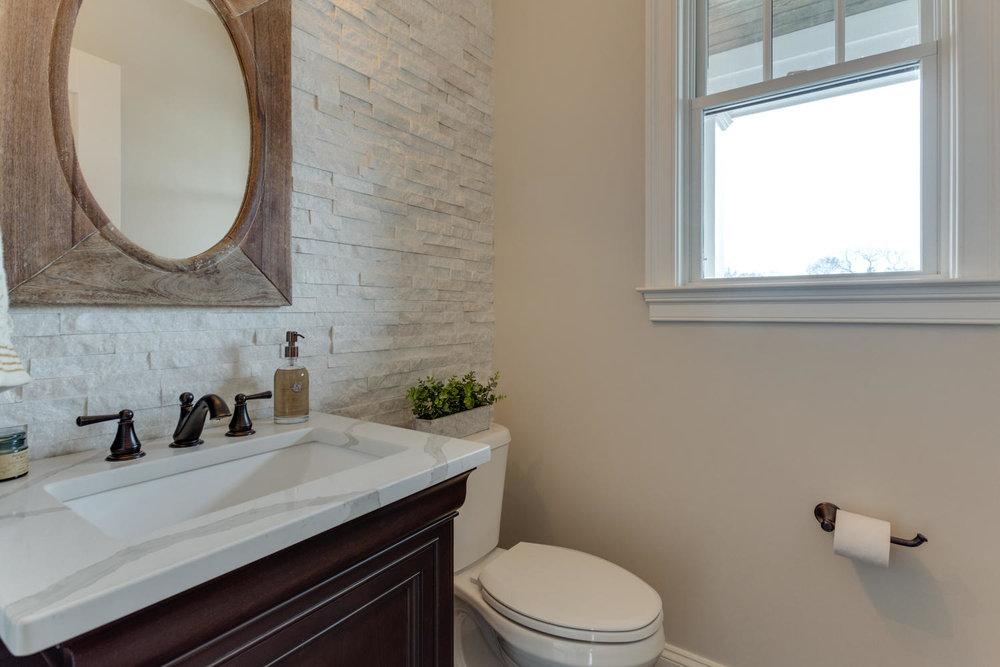 497 N Abingdon St Arlington VA-large-012-25-Bathroom-1500x1000-72dpi.jpg